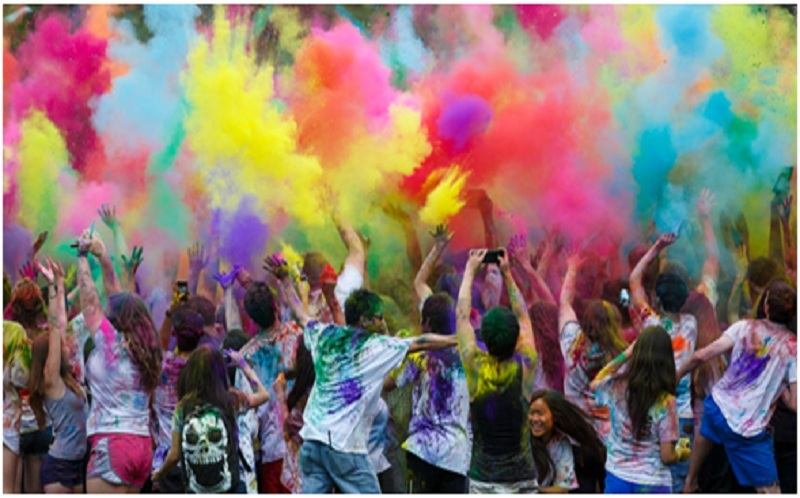Experience the Vibrancy Of Festivals