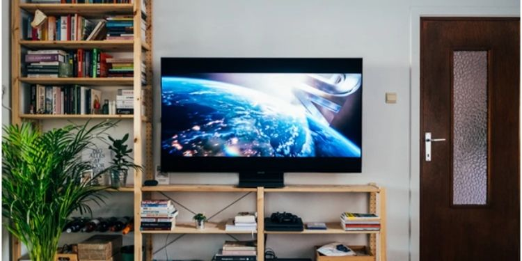 Satellite TV or Cable TV: Which Option Is Better For You?