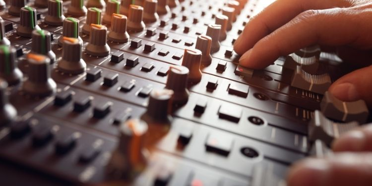 Which And Why Sound Equipment Makes An Event Prosperous One