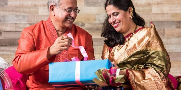 12 Amazing Diwali Gifts For Family and Friends