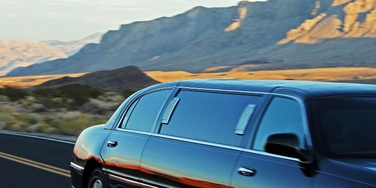 Hire Limo Service Near Me for Successful Corporate Events